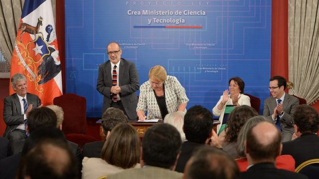 bachelet firma proyecto ministerio ciencia